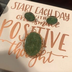 Jewelry - Vintage Gold Dipped Beautiful Jade Set